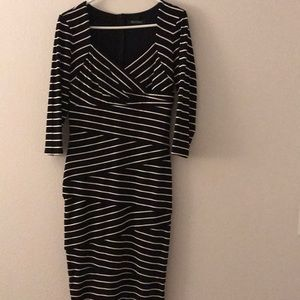 White House Black Market bodycon dress. Sz 8